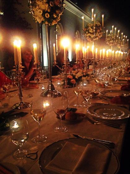 invitati al tavolo imperiale presso il Belmond Grand Hotel Timeo Taormina