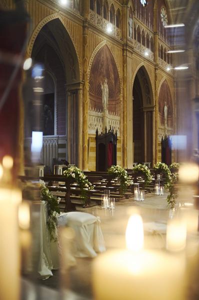 Allestimento navata Chiesa, matrimonio Ambra e Lorenzo